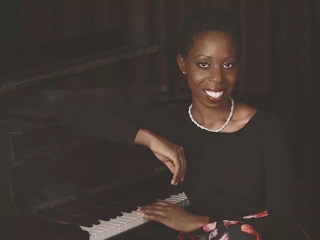 Samantha Ege at piano